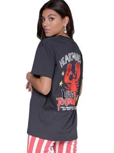 Colourful Rebel Shirt en Top Colourful Rebel 10245 HEART BREAK LOVE LOOSFIT Dames T-Shirts en Tops pirate black